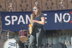 Eine Saxophonistin von «Call Me Clark». (Bild: Boris Bürgisser, Luzern, 21. September 2019)