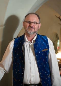 «Wir fühlten uns von Anfang an wohl hier»: Wirt Charles Wüest (51) ist mit seinem «Chuchichäschtli» von Reussbühl nach Hergiswil gekommen, weil das alte Gasthaus an der Ruopigenstrasse 15 einem Neubau weichen muss. (Bild: Corinne Glanzmann, Hergiswil, 24. September 2019)