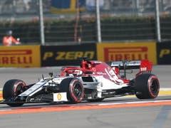 Kimi Räikkönen beendet das Rennen in Sotschi nach einer Durchfahrtsstrafe im 13. Rang (Bild: KEYSTONE/EPA/ZURAB KURTSIKIDZE)