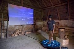 Im «Noise Aquarium» in Schopf Nummer 7 kann man virtuell in die Welt des Planktons eintauchen. Und hört es sogar um Hilfe rufen. (Bild: Lisa Jenny - 28. August 2019)