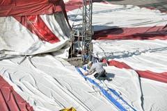 Frauenfeld TG , 30.09.2019 / Zirkus Stey baut sein Zelt für die Vorführungen (vom 2. bis 6.10.) erstmals auf dem Oberen Mätteli auf.