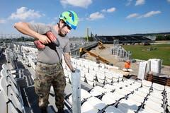 90 Soldaten und 65 Zivilschützer beteiligen sich an den Abbauarbeiten des Esaf. (Bild: Stefan Kaiser, Zug, 3. September 2019)