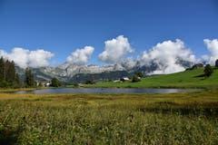 Der Schwendisee auf 1159 Metern über Meer, oberhalb Unterwasser und Wildhaus am heutigen Spätsommertag. (Bild: Max Gibel, Oberes Toggenburg, 3. September 2019)