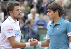 2010: Achtelfinal French Open: Federer s. Wawrinka 6:3, 7:6 (7:5), 6:2Nach der spanischen folgt die französische Hauptstadt. Der Sieger bleibt aber der gleiche. Wawrinka muss Federer einmal mehr gratulieren - diesmal im ersten Duell der beiden auf Stufe Grand Slam. Später scheitert er an Robin Söderling und kann seinen Titel aus dem Vorjahr nicht verteidigen. (Bild: Keystone)
