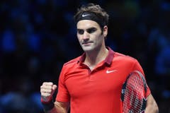 2014: Halbfinal ATP World Tour Finals London: Federer s. Wawrinka 4:6, 7:5, 7:6 (8:6)Das Spiel des Jahres 2014. Federer und Wawrinka liefern im rein schweizerischen Halbfinal am letzten Turnier des Jahres einen Abnützungskampf sondergleichen. Wawrinka kann dabei vier Matchbälle nicht nutzen und Federer muss tags darauf für den Final gegen Djokovic wegen Rückenbeschwerden Forfait erklären. Wochen später gewinnen die beiden Schweizer zusammen den Davis Cup. (Bild: Keystone)