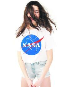 Kaum eine Fast-Fashion-Kette, die kein Nasa-Shirt im Angebot hat. Dieses ist von H&M. Bild: zvg