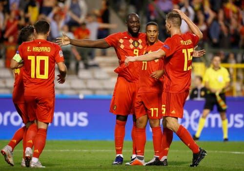 Die belgischen Spieler feiern das Tor von Romelu Lukaku (Mitte). (Bild: Julien Warnand/EPA (Brüssel, 12. Oktober 2018))
