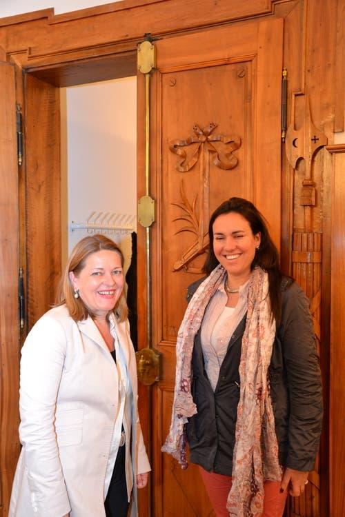 Z'graggen mit Maria Magdalena de Lima Moreno, Bürgermeisterin von Nueva Helvecia in Uruguay. (Bild: Mario Wittenwiler (Altdorf, 22. September 2012))