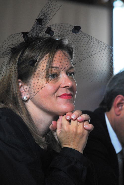Z'graggen im extravaganten Outfit an der Vereidigungsfeier für den Regierungs- und Landrat 2008. (Bild: Urs Hanhart (Altdorf, 2. Juni 2008))
