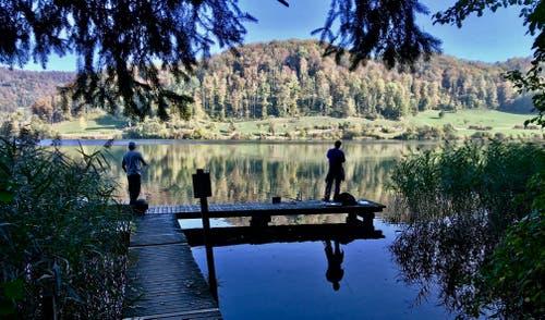 Herbstliche Fischeridylle. (Bild: Peter Bumbacher (Türlersee, 17. Oktober 2018))