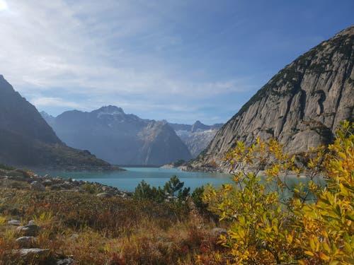 Eine wunderschöne Herbstwanderung um den Gelmersee. (Bild: Nadine Lingg (Gelmersee, 18. Oktober 2018))