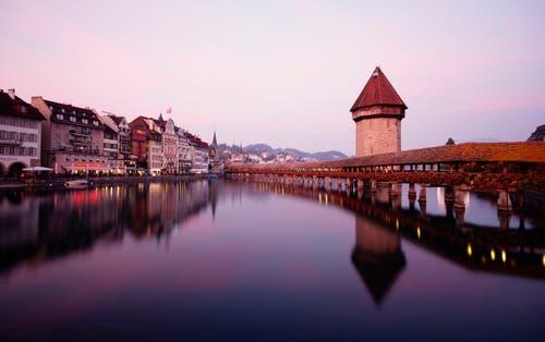 Abendstimmung in Luzern. (Bild: Marianne Schmid (Luzern, 17. Oktober 2018))