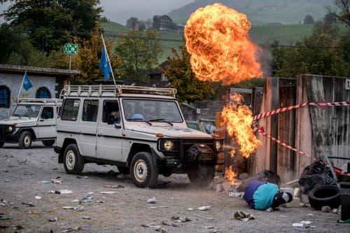 Im gestellten Einsatzszenario kommen UNO-Blauhelme zu Hilfe, nachdem eine Mine explodiert ist. (Bild: Nadia Schärli (Stans, 20. Oktober 2018))