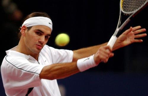 2003 - Roger Federer im Spiel gegen den Kroaten Croatia's Ivan. (KEYSTONE/Markus Stücklin)