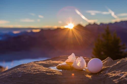 Spiegelendes Spiegelei im Sonnenaufgang über dem Nebelmeer. (Bild: Rolf Kälin (Stanserhorn, 21. Oktober 2018))