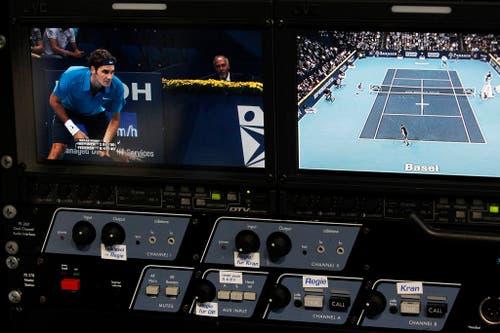 2011 - Roger Federer während des Spiels gegen Finnland's Jarkko Nieminen. (PHOTOPRESS/Alexandra Wey)