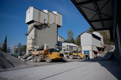 Das Schotterwerk der Holcim in Kehrsiten, wo der abgebaute Kieselkalk verarbeitet wird. (Bild: Corinne Glanzmann, Kehrsiten, 16. Oktober 2018)