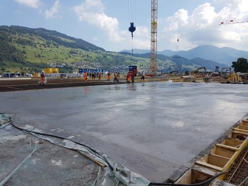 Giessen der Bodenplatten am 21. Juni 2018. (Bild: PD)