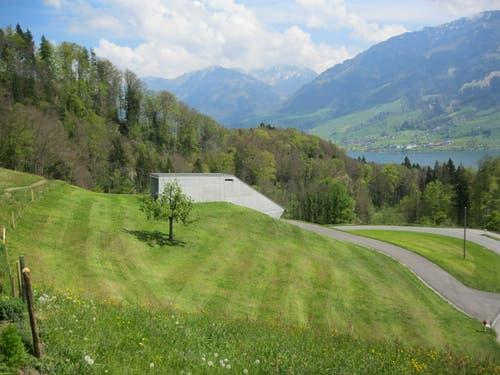 Trinkwasserversorgung Sarnen. Das fertige Reservoir Talen am 22. April 2014. Das neue Reservoir Gubermatt wird gleich aussehen. (Bild: PD)
