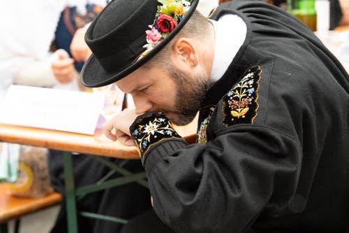 Ein zünftiger Schnupf ist an der Chlibi schon fast Tradition. (Bild: Melinda Blättler (Hergiswil, 21. Oktober 2018))