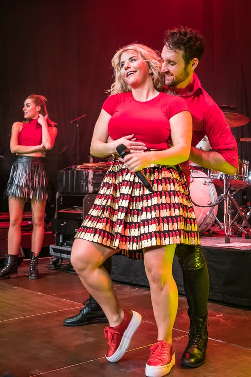 Dieser Tanzpartner wirkt noch fast ein bisschen scheu. (Bild: Christian H. Hildebrand (Baar, 27. Oktober 2018))