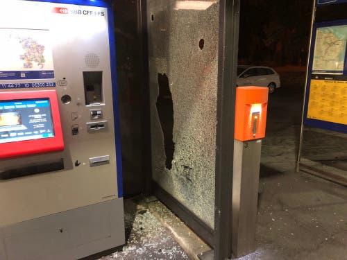 Zerstörungen im Bereich des Bahnhofs St.Gallen Winkeln. (Bild: Stapo SG)
