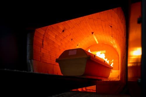 Im Krematorium Luzern: Das Innere des Ofens sollte stets 800 Grad betragen. (Bild: Philipp Schmidli, Luzern, 16. Oktober 2018)