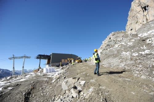 Die Bergstation im Hintergrund. (Bild: Urs Hanhart (Oberalppass, 4. Oktober 2018))