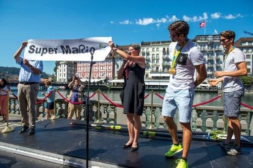 Super Mario beim Empfang in Luzern (Bild: Dominik Wunderli, 27. August 2016)
