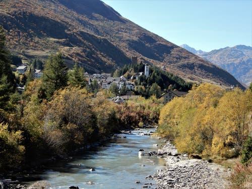 Wer sonst als der «älteste Urner, der Mister Föhn» ist für diese schöne Wetterlage verantwortlich? Aufgenommen auf der Wanderung von Andermatt nach «Hosp-Valley», besser bekannt als Hospental. (Bild: Margrith Imhof-Röthlin (5. Oktober 2018))