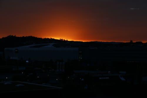 Sonnenuntergang in Dierikon. (Bild: Rolf Arnet (6. Oktober 2018))