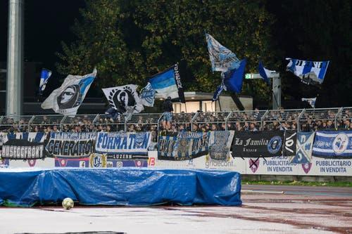Rund 200 FCL-Fans reisten ins Tessin mit. (Bild: Martin Meienberger / Freshfocus (Chiasso, 1. November 2018))