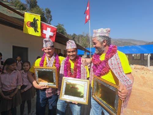 Mit grosszügiger Hilfe und Spendengeldern - vor allem auch aus dem Kanton Uri - wurde die Schule in Chainpur in Nepal wiederaufgebaut. (Bild: PD)