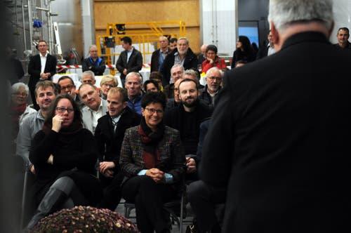 Besuch von Bundesrat Johann Schneider-Ammann am FDP-Partetag Obwalden in der Käserei Seiler in Giswil. Aufmerksame Zuhörer beim Referat des Gastes.(Bild: Markus von Rotz (Giswil, 31. Oktober 2018))