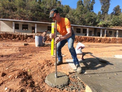 Die Schulhäuser wurden mit Hilfe aus dem Kanton Uri wieder aufgebaut. (Bild: PD)