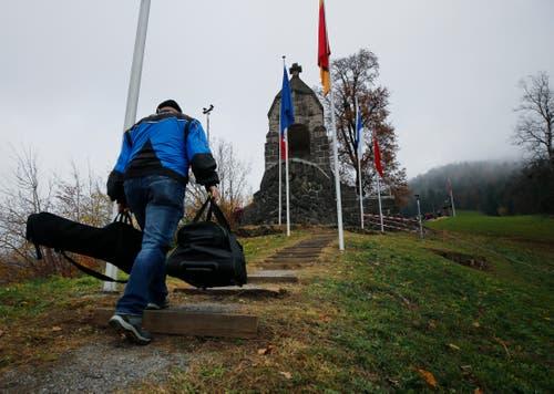 Aufstieg zum Morgartendenkmal (Bild: Stefan Kaiser (Zug, 15. November 2018))