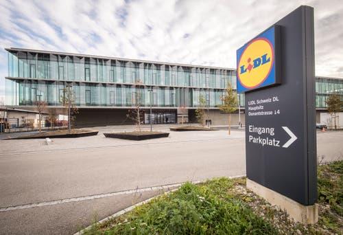 Der neue Hauptsitz von Lidl Schweiz an der Dunantstrasse in Weinfelden, auf der anderen Strassenseite des alten Hauptsitzes. (Bild: Reto Martin)
