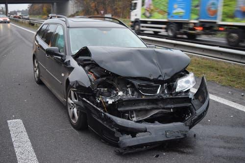 Neuenkirch - 20. NovemberBei einem Auffahrunfall auf der Autobahn A2 sind zwei Personen leicht verletzt worden. Sie mussten ins Spital eingeliefert werden. (Bild: Luzerner Polizei)