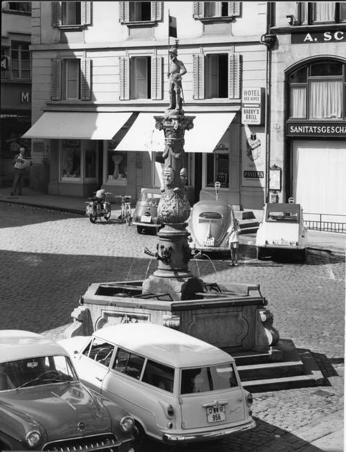 Der Fritschi-Brunnen von 1918. Bild: Stadtarchiv.