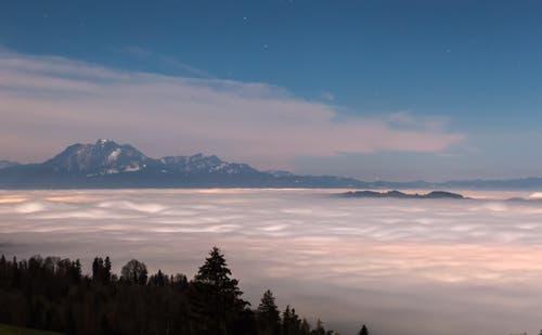 Pilatus über dem Nebelmeer. (Bild: Daniel Hegglin (Zugerberg, 22. November 2018))
