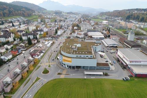 Nach 20 Jahren Betrieb wurde das Zentrum im November 2017 geschlossen. Mit Ausnahme der Migrol-Tankstelle sind alle Migros-Formate in die Mall of Switzerland gezogen. (Bild: PD/Genossenschaft Migros Luzern)