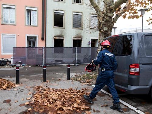 Nach derzeitigen Erkenntnissen der Polizei verursachte ein unsachgemässer Umgang mit Raucherwaren den Brand. (Bild: KEYSTONE/ALEXANDRA WEY)