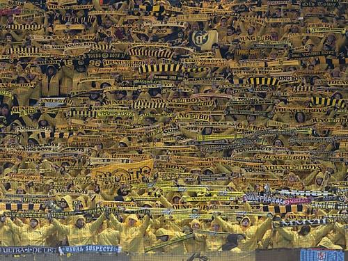 YB wurde im Old Trafford von vielen Fans aus der Heimat unterstützt (Bild: KEYSTONE/GEORGIOS KEFALAS)