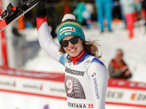 In ihrer bislang erfolgreichsten Weltcup-Saison schaffte die einstige Slalom-Spezialistin auch im Speed-Bereich den Durchbruch. Gleich siebenmal fuhr Michelle Gisin im vergangenen Winter in den Disziplinen Abfahrt und Super-G in die Top 5. Die Krönung folgte mit Olympia-Gold in der Kombination. (Bild: KEYSTONE/AP/GABRIELE FACCIOTTI)