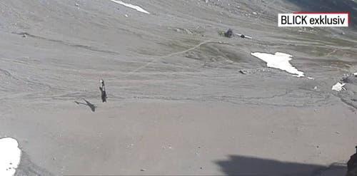 Eine Augenzeugin hat die letzten Momente der Ju-52 vor dem Absturz mit dem Handy festgehalten.