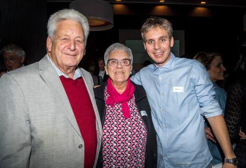 Moderator Reto Scherrer mit seinen Eltern Hans-Jörg und Käthi Scherrer.