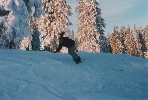 Als das Skigebiet im Jahr 1998 zuging, lag Snowboarden absolut im Trend. (Bild: Felix und Ruth Blättler)