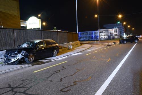 Dagmersellen - 29. NovemberBei einer Frontalkollision bei der Kreuzung Baselstrasse - Langnauerstrasse sind zwei Personen verletzt worden. Sie mussten mit dem Rettungsdienst ins Spital eingeliefert werden.