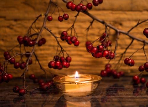 Ein Lichtlein zum 1.Advent. (Bild: Priska Ziswiler (28. November 2018))