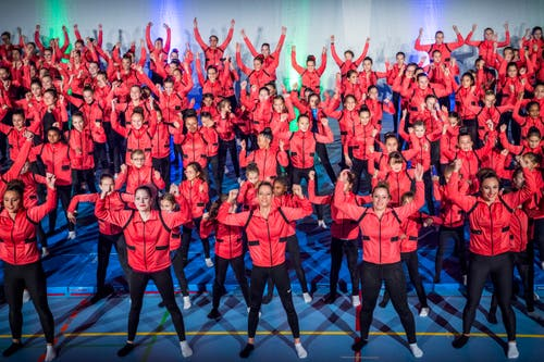 Insgesamt 280 Turnerinnen gehören zur Gymnastik-Gruppe. (Bild: Andrea Stalder)
